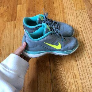 Nike Shoes - Nike gym shoes